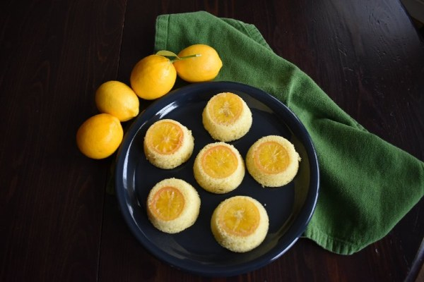 Game of Thrones Lemon Cakes